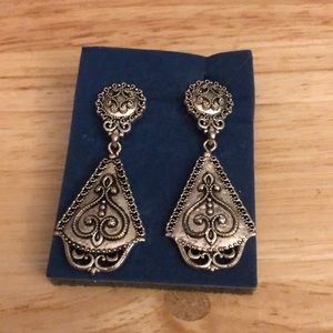 Avon Paris By Night Dangle Drop Earrings